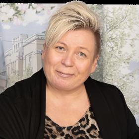 Päivi Kuuttinen, kiinteistövälittäjä, LKV, LVV, KiAT